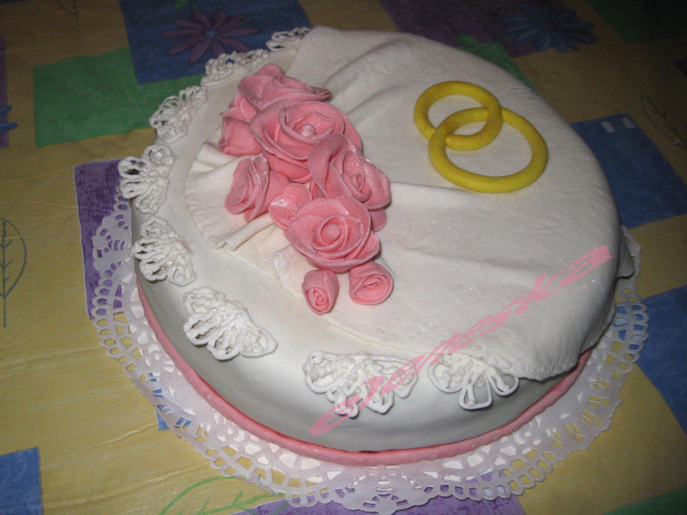 Как украсит свадебный торт своими руками