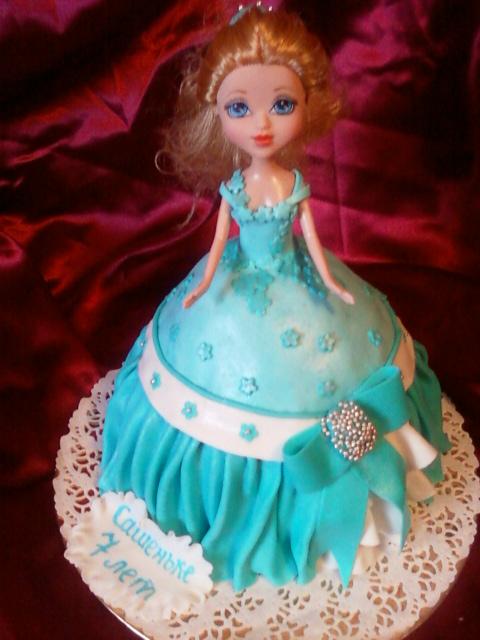 Торт лялька