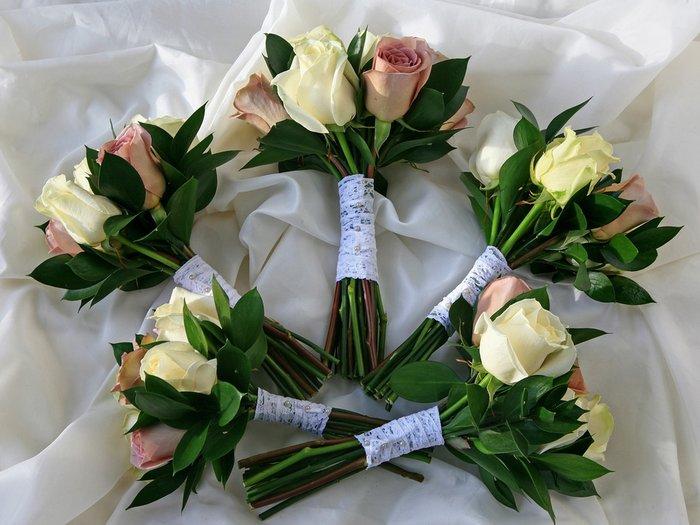 Недорогие букеты на свадьбу в подарок молодоженам 761