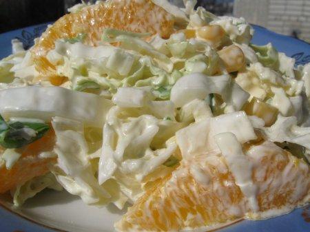 Салат з пекінської капусти та апельсинів