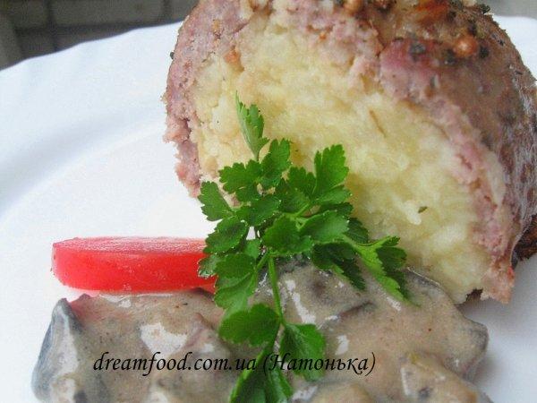 М'ясний рулет з картоплею