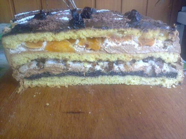 Торт з курагою